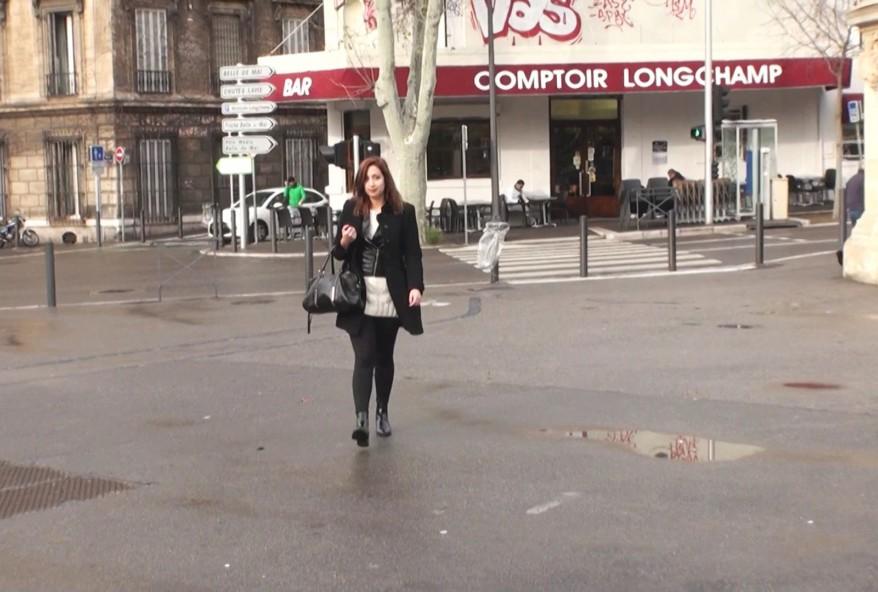 video d'une jeune beurette de Montpellier vraiment salope